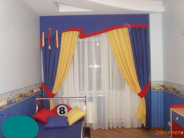 Фото - шторы с ламбрикеном в детской комнате
