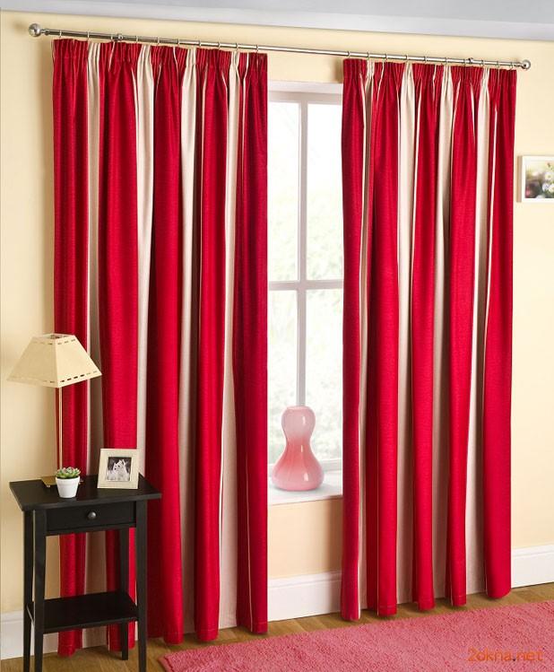 Фото: красные шторы блэкаут (blackout) в гостиной