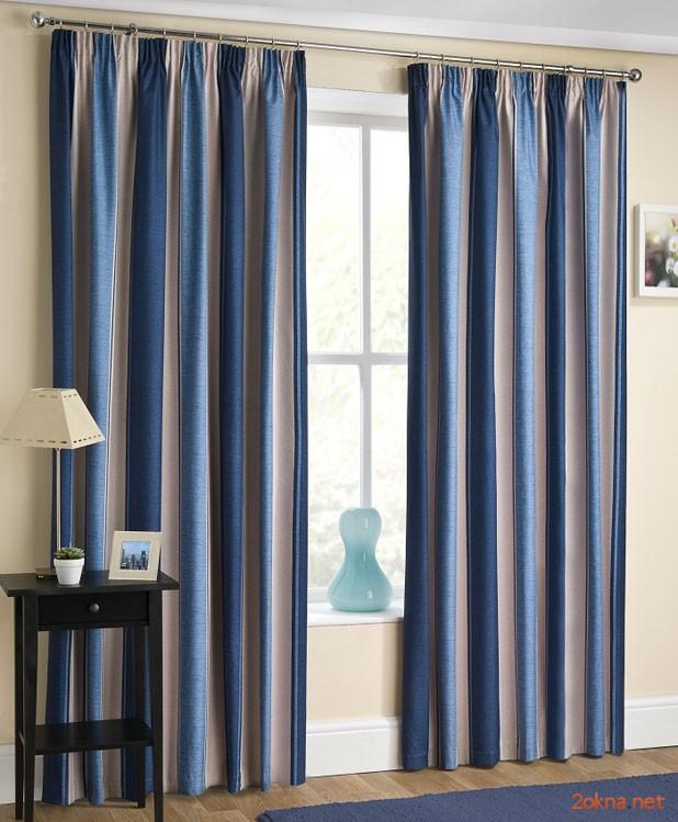 Фото: синие шторы блэкаут (blackout) в гостиной