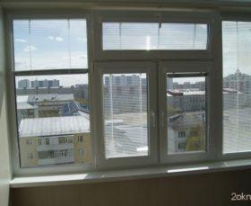 Кассетные жалюзи на пластиковые окна - фото