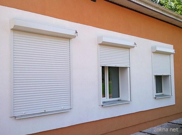Наружные ролеты на пластиковые окна