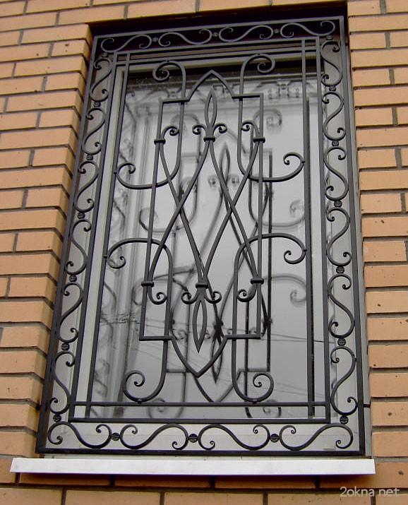 Металлические решетки на окнах