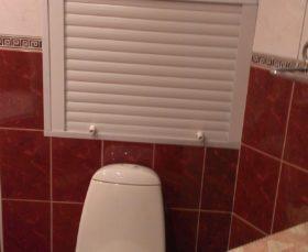 Готовые рольставни в туалет