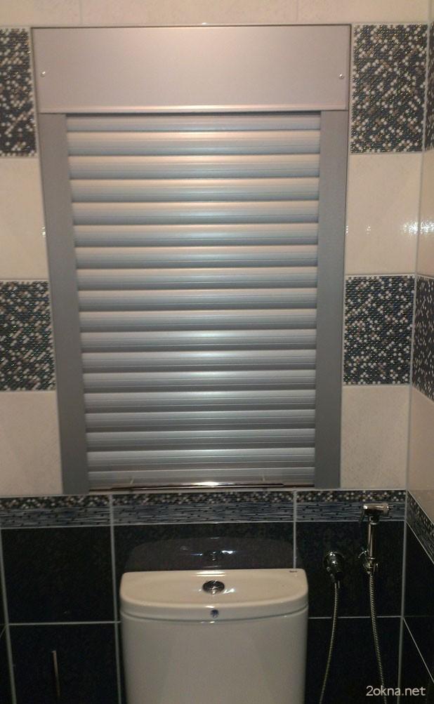 Установка рольставней в туалет в проем коробом внутрь