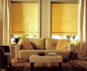 Фото - тканевые ролеты в помещении в классическом стиле