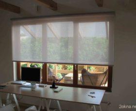 Фото - прозрачные тканевые ролеты на окна