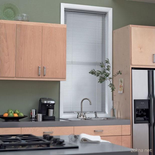 Фото - горизонтальные жалюзи для кухни