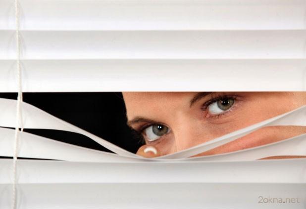 Как установить жалюзи на пластиковые окна