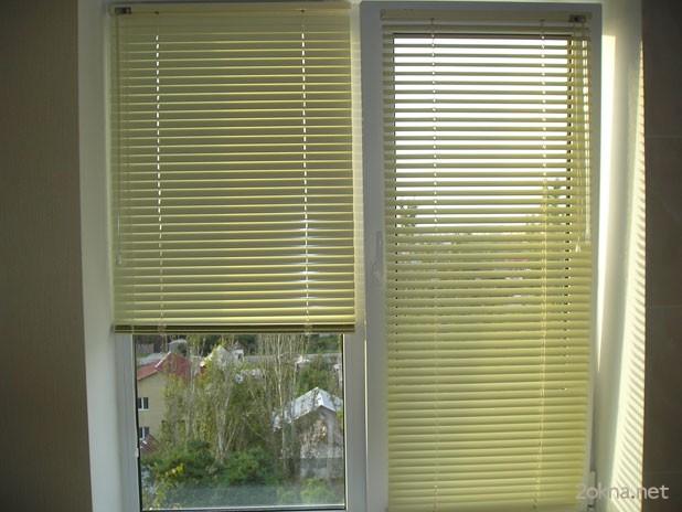 Способы крепления жалюзи на пластиковые окна