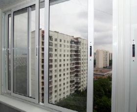 Балкон с холодным остеклением - фото