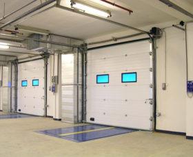 Промышленные секционные ворота от производителя