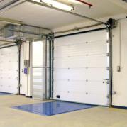 Промышленные секционные ворота