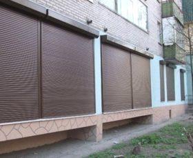 Закрыть балкон рольставнями