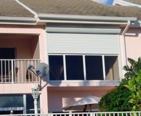 Защитные рольставни для балкона